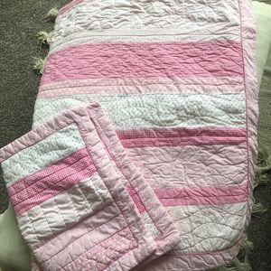 PBK Twin Comforter + 2 Shams